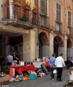 Sole e folla al Mercato delle pulci e a Porté disné. Le foto più belle 2