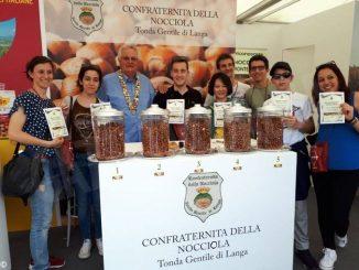 Dopo Vinum, la Confraternita della nocciola prepara il  premio Fautor Langae