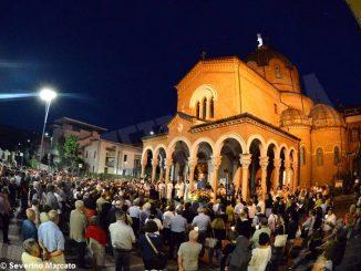 Alla Moretta il mese di maggio si chiude con la processione in onore alla Madonna
