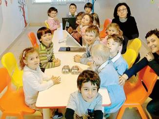 All'asilo di Castellinaldo adesso s'impara anche col robot
