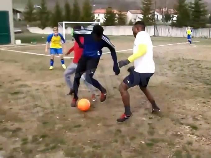 castino partita calcio profughi
