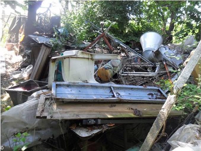 Cento tonnellate di rifiuti abusivi nei boschi di Montegrosso 1