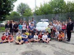 Gli studenti di Alba in visita alla caserma dei Carabinieri 1