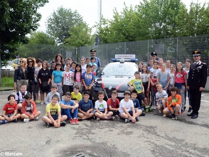 Carabinieri studenti scuola media Vida (2)
