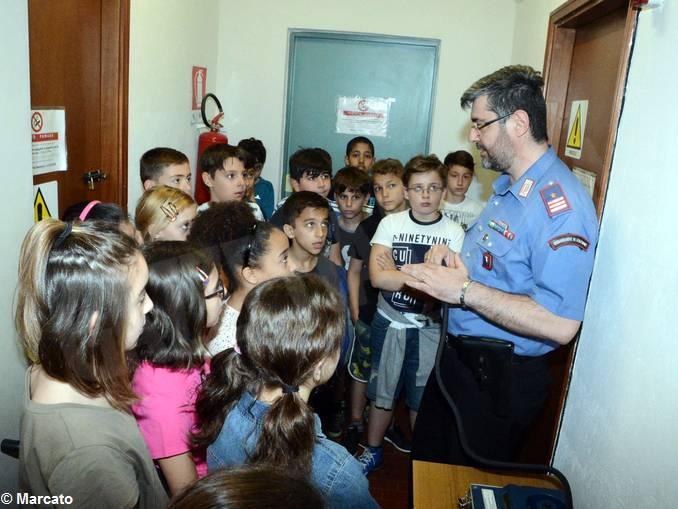 Carabinieri studenti scuola media Vida (9)