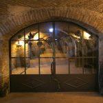 La cantina Enrico Serafino festeggia 140 vendemmie con uno spumante di 140 mesi