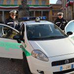 La municipale di Bra confisca un'auto e ne sequestra un'altra