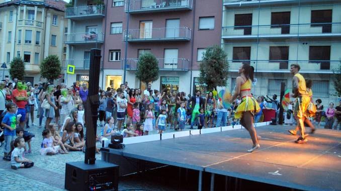 La festa, i colori, i gusti del brasile in piazza San Paolo
