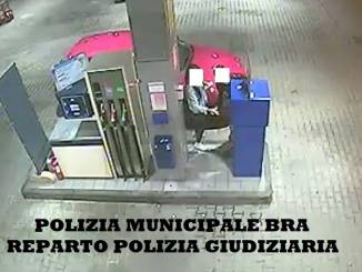 Alla guida di un'auto rubata, senza patente, deferiti due giovani braidesi