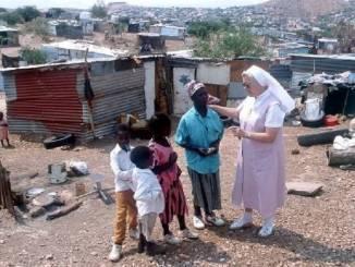 L'appello di padre Amateis per salvare un bambino