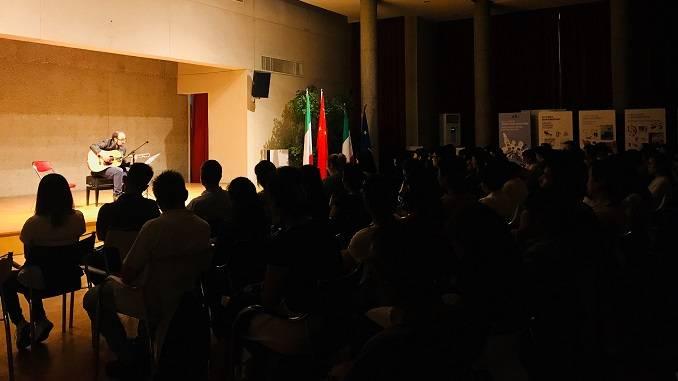Il concerto all'istituto italiano di cultura di Pechino ha chiuso il tour di Cosentino