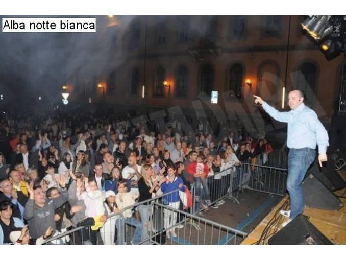 Notte Bianca ad Alba Radio valle Belbo