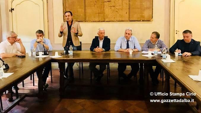 """40 sindaci a Cherasco per l'Asti-Cuneo, Cirio e Perosino """"Pronti ad azioni eclatanti"""""""