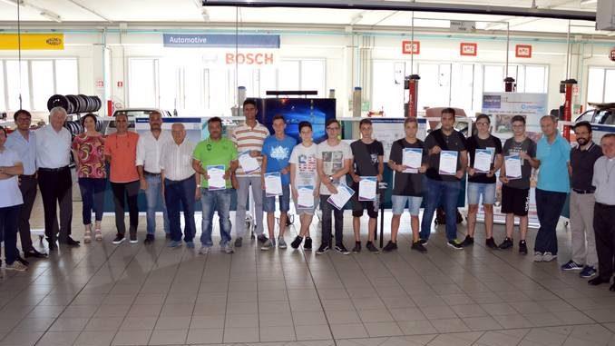Il gruppo Mollo consegna i diplomi agli allievi dei Cfp salesiani di Bra e Fossano