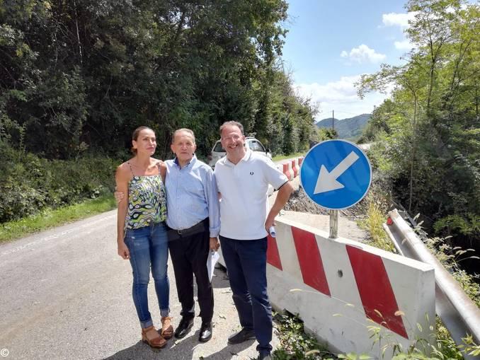 Perosino-con-i-sindaci-di-Trezzo-Tinella-e-Mango