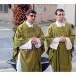 I nuovi parroci hanno fatto il loro ingresso a Piobesi. Ecco le foto