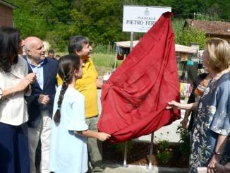 Vezza ha intitolato un piazzale a Pietro Ferrero. Ecco le foto 29