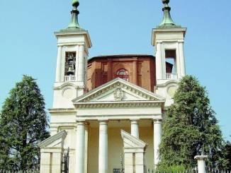 Don Gian Carlo Avataneo alla guida del santuario della Madonna dei Fiori