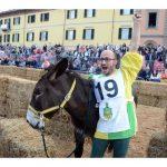Doppia vittoria per Borgo Moretta. Ecco le foto di palio e sfilata