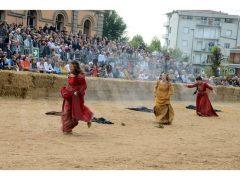 Doppia vittoria per Borgo Moretta. Ecco le foto di palio e sfilata 19