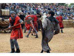 Doppia vittoria per Borgo Moretta. Ecco le foto di palio e sfilata 23