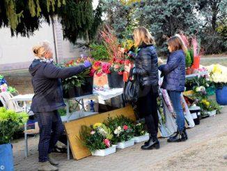 Per i Santi fiori in vendita anche in due piazze di Alba
