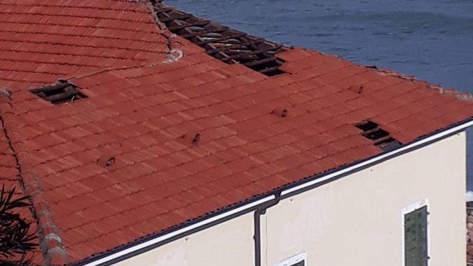 La foto del tetto della colonia marina braidese a Laigueglia
