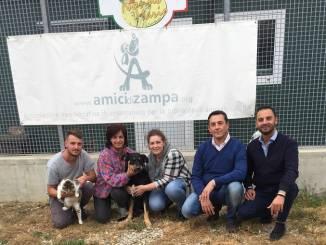 """Nonno Mario: cesti di Natale benefici per """"Amici di Zampa"""""""