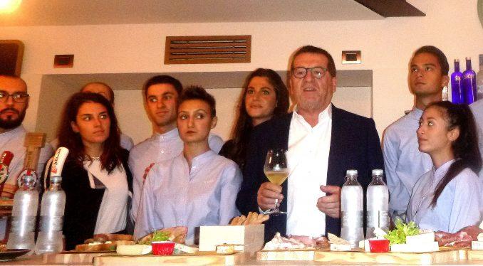 Fontanafredda inaugura 100 Vini-Caffè la Brasilera 1
