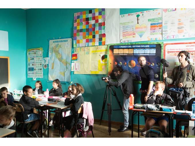 Simone-Martinetto con gli alunni a Govone Foto Virginia-Farina (11)