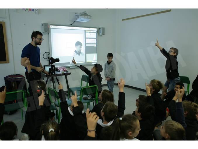 Simone-Martinetto con gli alunni a Govone Foto Virginia-Farina (17)