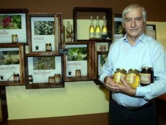 Ecco Claudio Cauda, il maestro del miele
