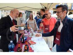 Una folla di appassionati alla 20ª Festa del vino, ecco le foto 5