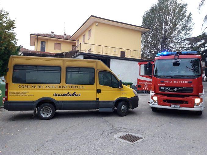 Incendio nel magazzino comunale di Castiglione Tinella, in fiamme un pick up 1