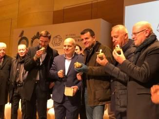 """Il Ministro Centinaio ad Alba: """"Un modello la vostra sinergia per il turismo"""""""