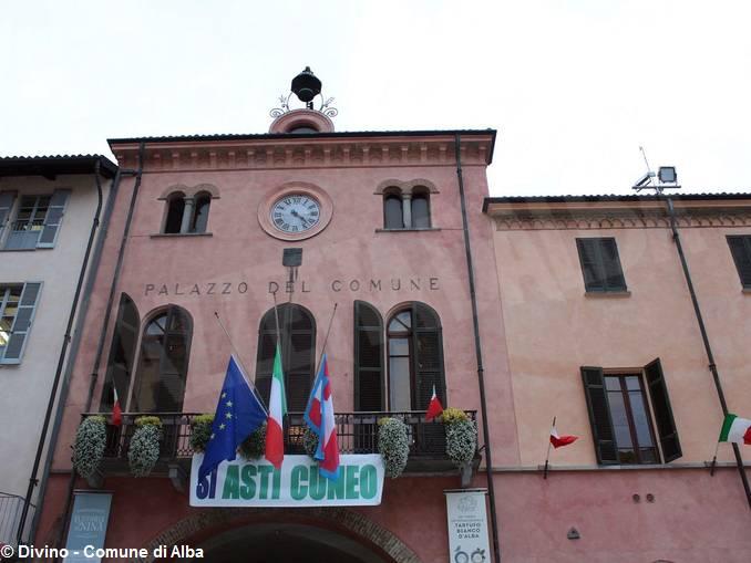 Palazzo_comunale_si_Asti_Cuneo_2018_GDivino_1