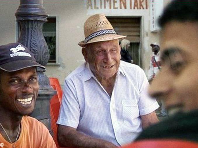 Un paese di Calabria film