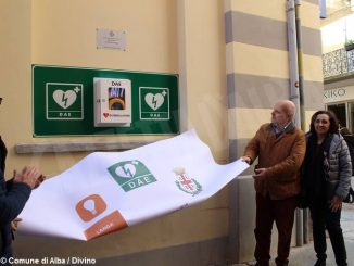 Inaugurato un nuovo defibrillatore per il centro storico di Alba