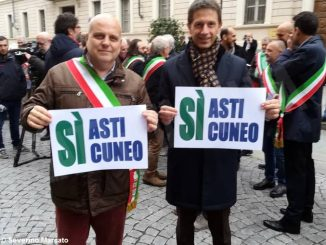 Asti-Cuneo: la protesta dei sindaci davanti al prefetto 2