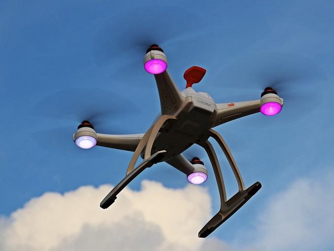 drone-1765141_960_720