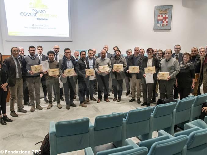 Foto di gruppo dei Comuni premiati