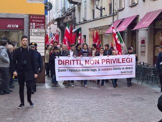 Oltre trecento persone alla manifestazione contro il Decreto sicurezza