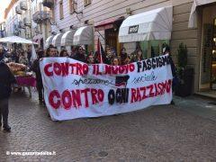 Oltre trecento persone alla manifestazione contro il Decreto sicurezza 4
