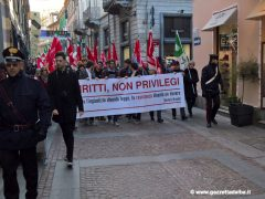Oltre trecento persone alla manifestazione contro il Decreto sicurezza 7