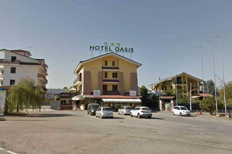roreto hotel oasis