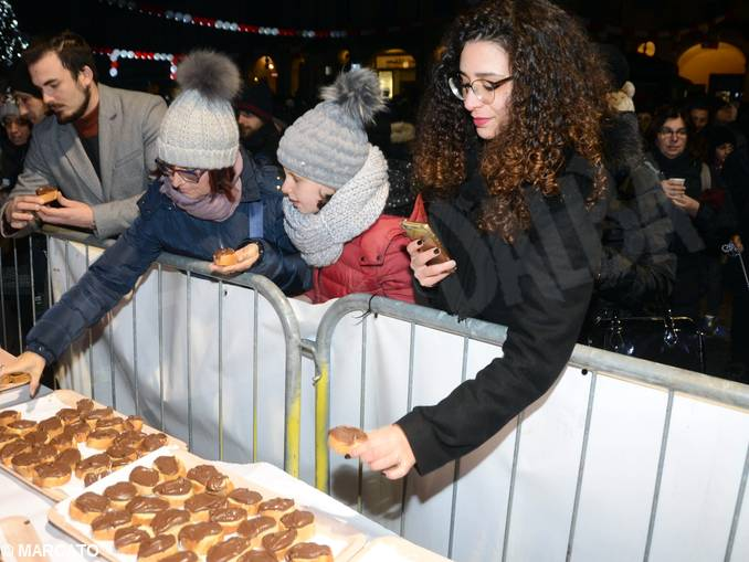Il Capodanno in piazza del Duomo ad Alba e il concerto dell
