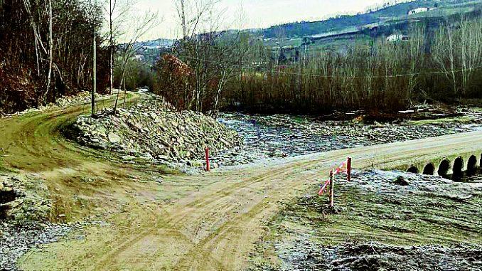 Il guado sul Belbo è più sicuro grazie a due barriere