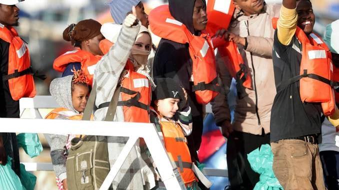 Se i pericolosi invasori della fortezza Europa sono 49 immigrati 1