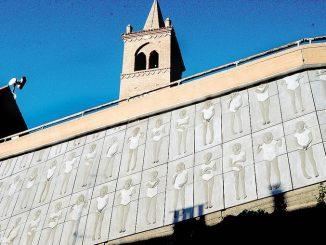 Monticello: l'arte rende più bello il muro di cemento