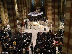 Padre Moscone saluta i fedeli ricordando le sue tre origini e citando il giudice Livatino 1